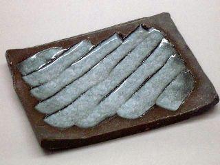 焼き締め角皿 氷裂貫入釉.jpg